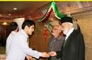 اهدای جوایز توسط پدران معظم شهدا